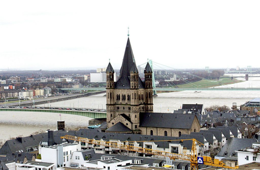 Put German Cologne cathedral on the map along Rhine