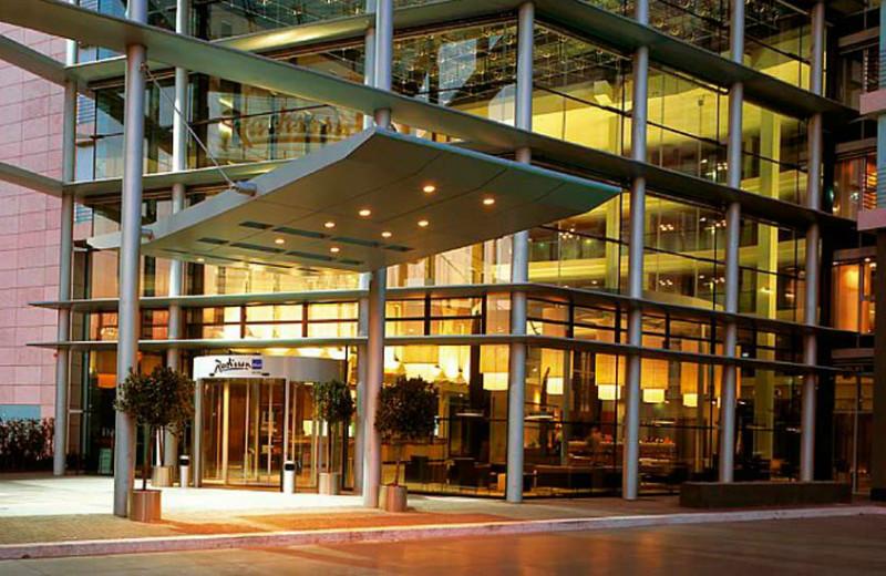 Auch in Köln bieten viele Websites und Apps Hotels im Check