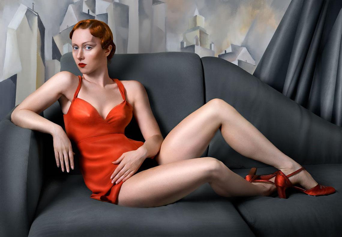 """""""For Lempicka"""". Digital verfremdetes Selbstportrait Bild von Katerina Belkina. Obwohl am Computer bearbeitet, wirken die Bilder der jungen Russin wie Gemälde"""
