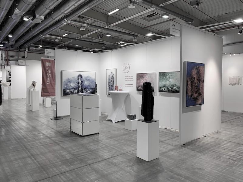 gallery booth art sales at art fair
