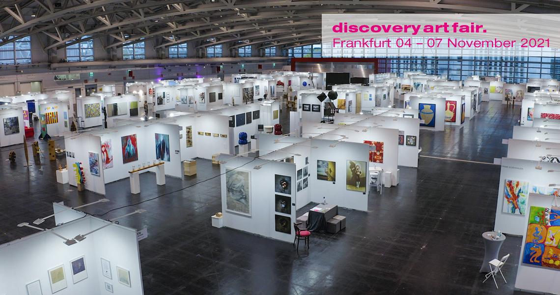 Discovery Art Fair Frankfurt auf dem Frankfurter Messegelände bietet Kunstliebhabern ein breites Spektrum zeitgenössischer Kunst zu bezahlbaren Preisen.